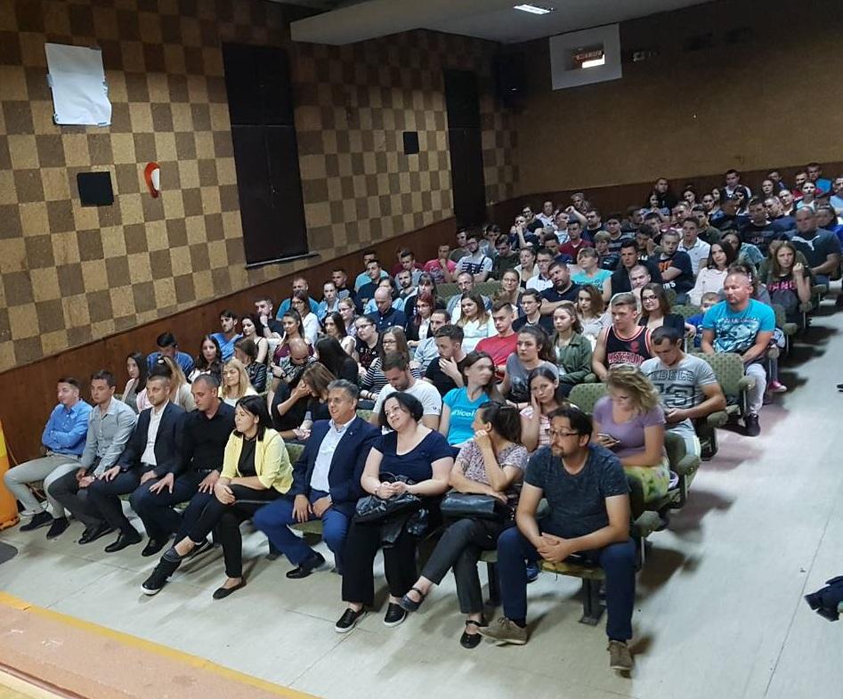 Mladi podržavaju politiku Ujedinjene seljačke stranke