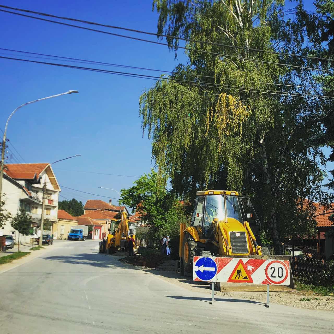Počela izgradnja trotoara u ulici Vasilija Anđelkovića Albanca