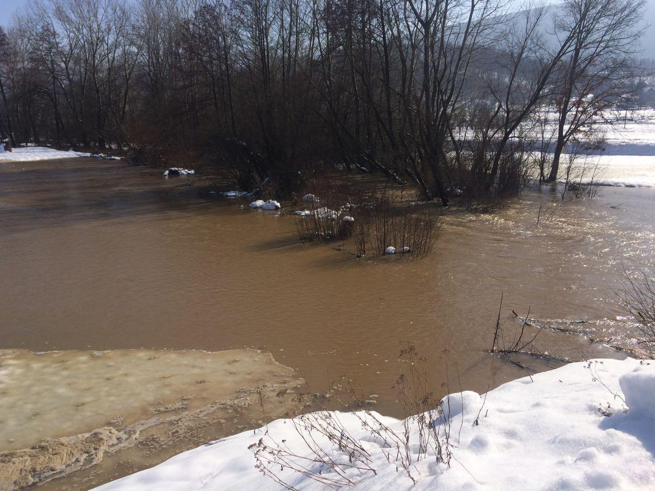 Postoji opasnost od poplava zbog naglog topljenja snega