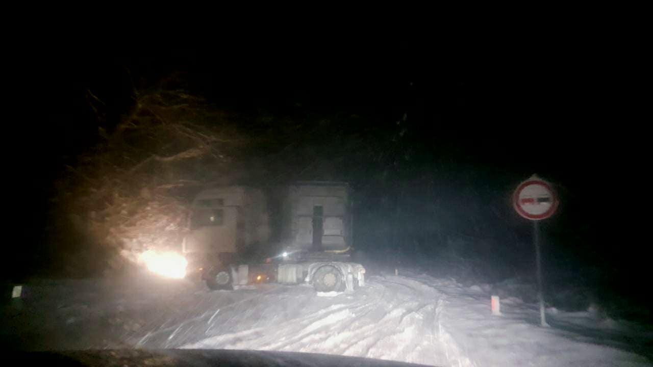 Kamion preprečio saobraćajnicu na ulazu u Svrljig iz pravca Knjaževca