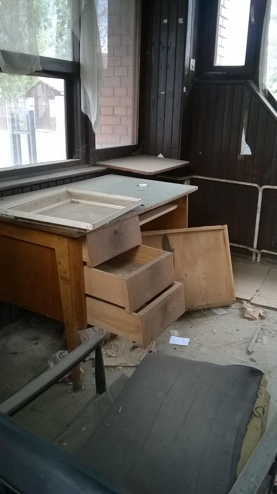 """Razbili portirnicu nekadašnje fabrike ''Maja"""" (FOTO)"""