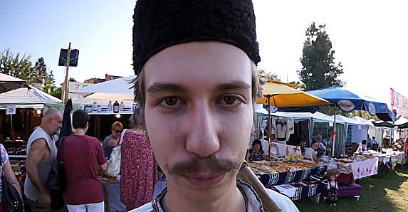Foto: PrtScr, youtube link ''Marka Žvaka'', uvodni deo filma o Belmužijadi