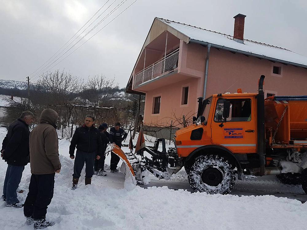 Narodni poslanik Milija Miletić obišao sela