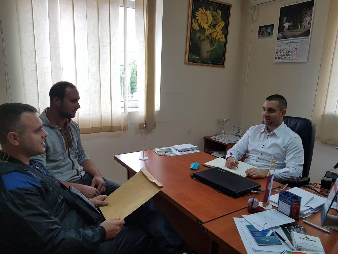 """Mladi iz Niševca razgovarali sa pomoćnikom Markovićem u okviru akcije """"Dan otvorenih vrata"""""""