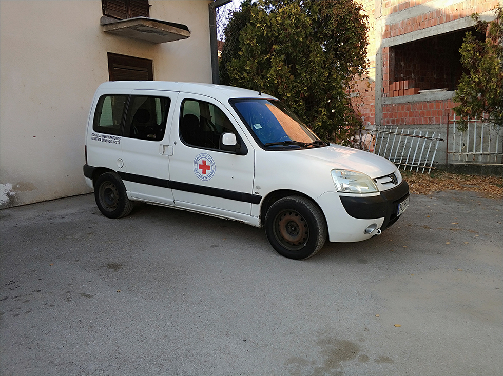 Dostavno vozilo kao donacija svrljiškom Crvenom krstu