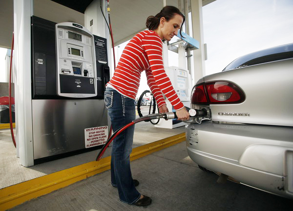 Ilustracija, auto plin, foto ENN-LNG/USA REUTERS/Jim Urquhart
