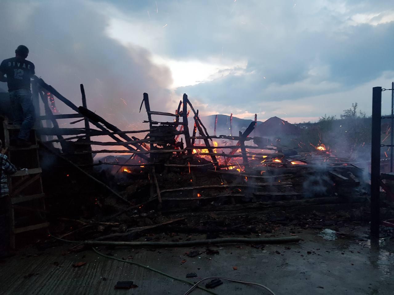 Požar progutao pomoćnu zgradu