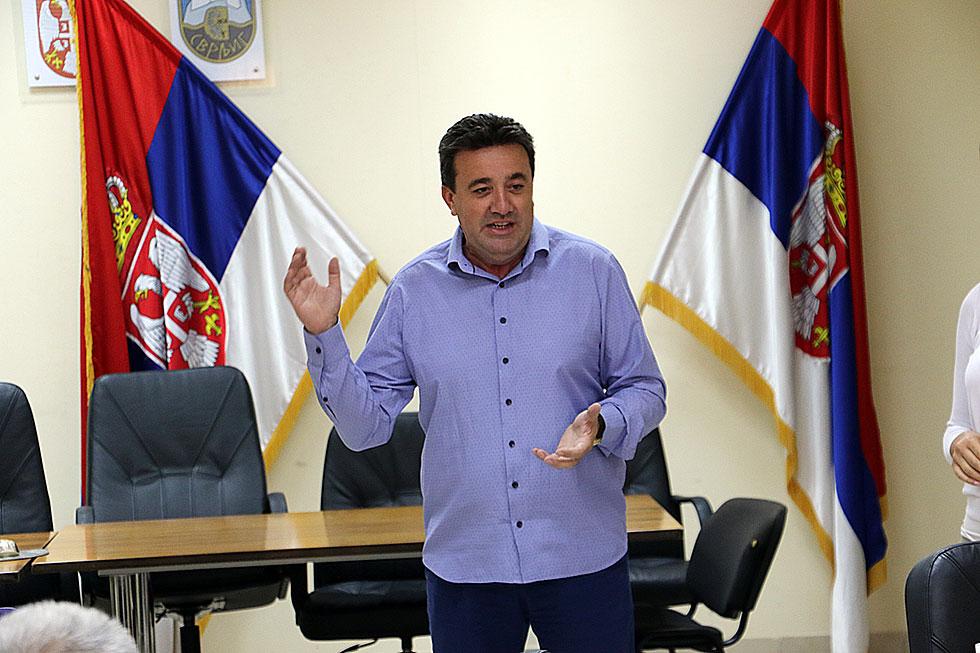 Vlada Krstić, šef Odseka za privredu i poljoprivredu