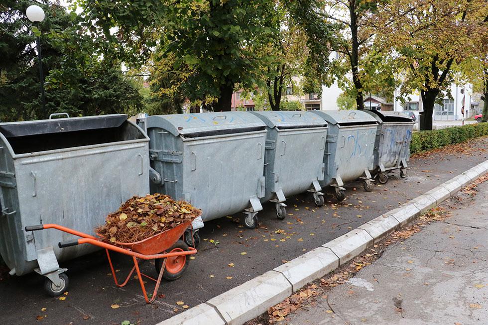 Previše kontejnera oko gradskog parka