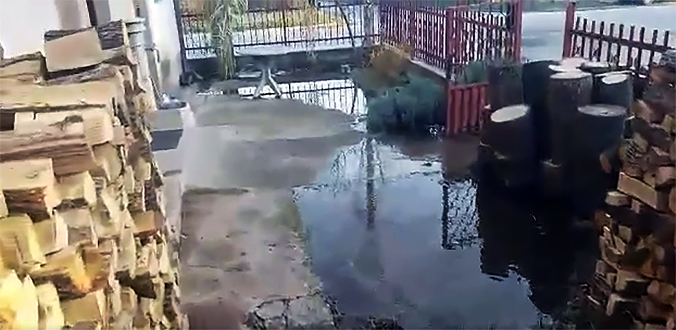 Poplavljeno dvorište u Niškoj ulici, foto: PrtScr, video prilog