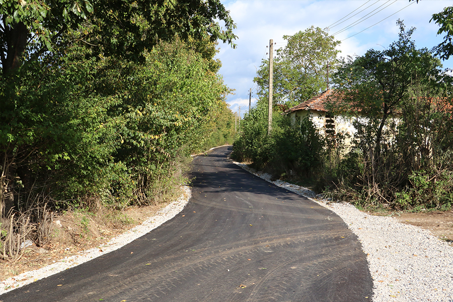 Asfaltiran put u Lozanu u dužini od 1,1 km