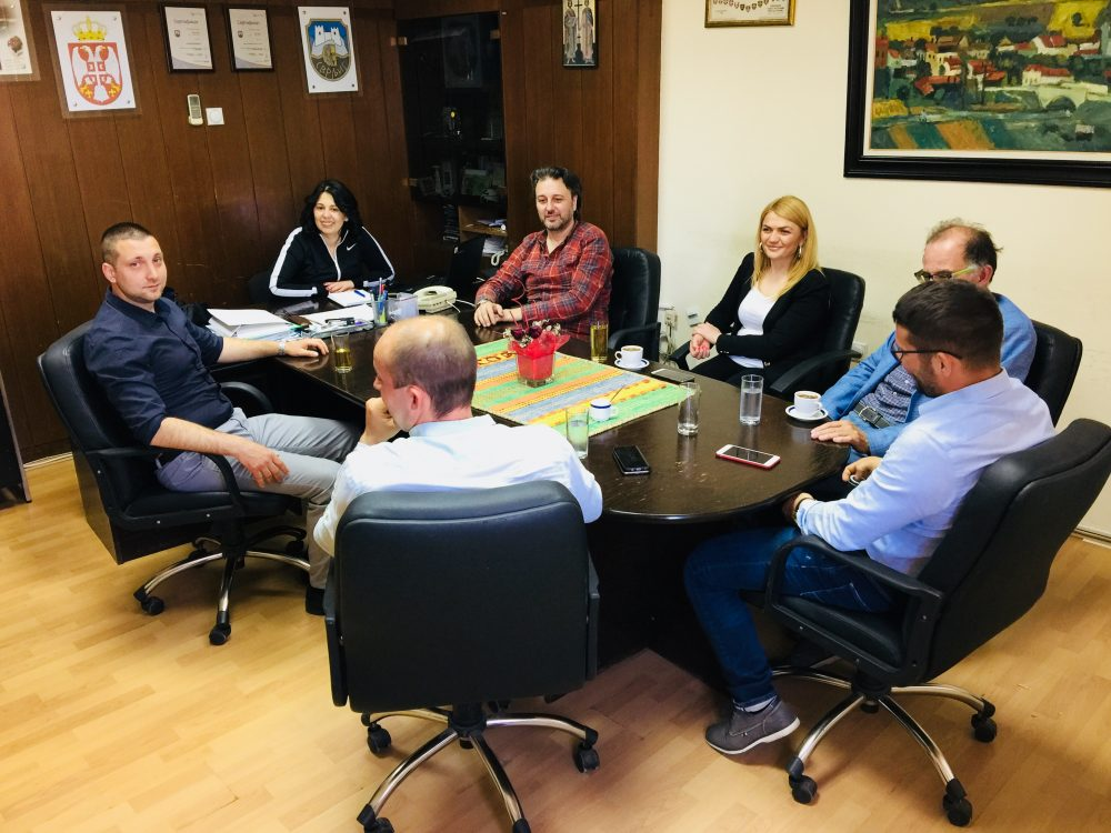 Sportski savez Srbije donirao računar svrljiškom Sportskom savezu