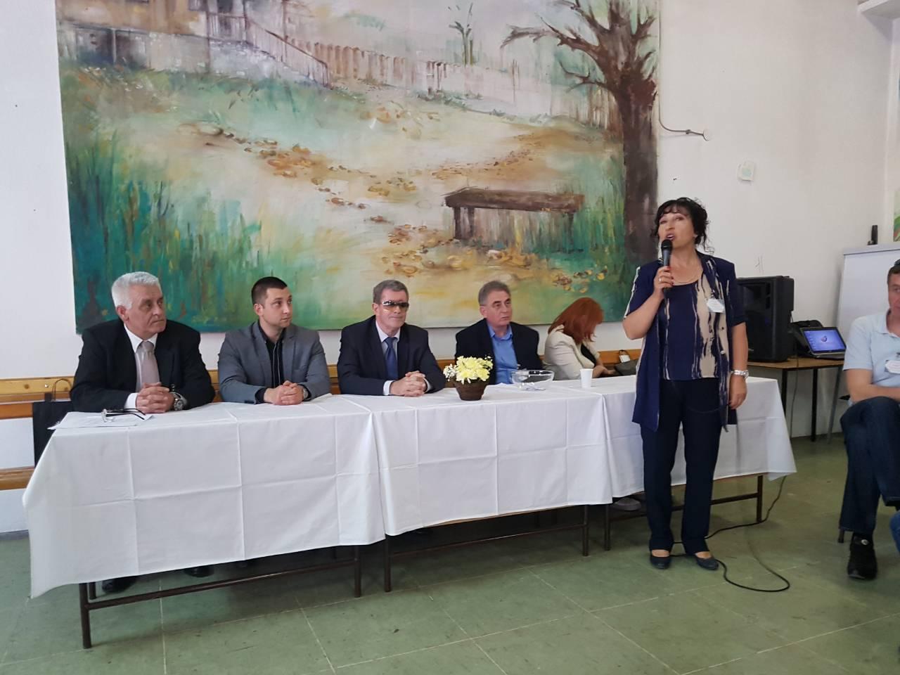 SVAKA ČAST: Svrljižani najbolji u Srbiji na takmičenju iz poslovne informatike