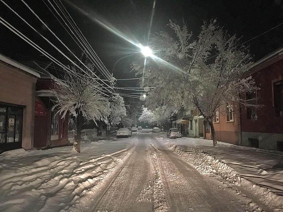 Ulica Hadžićeva pod snegom, foto: M. Miladinović