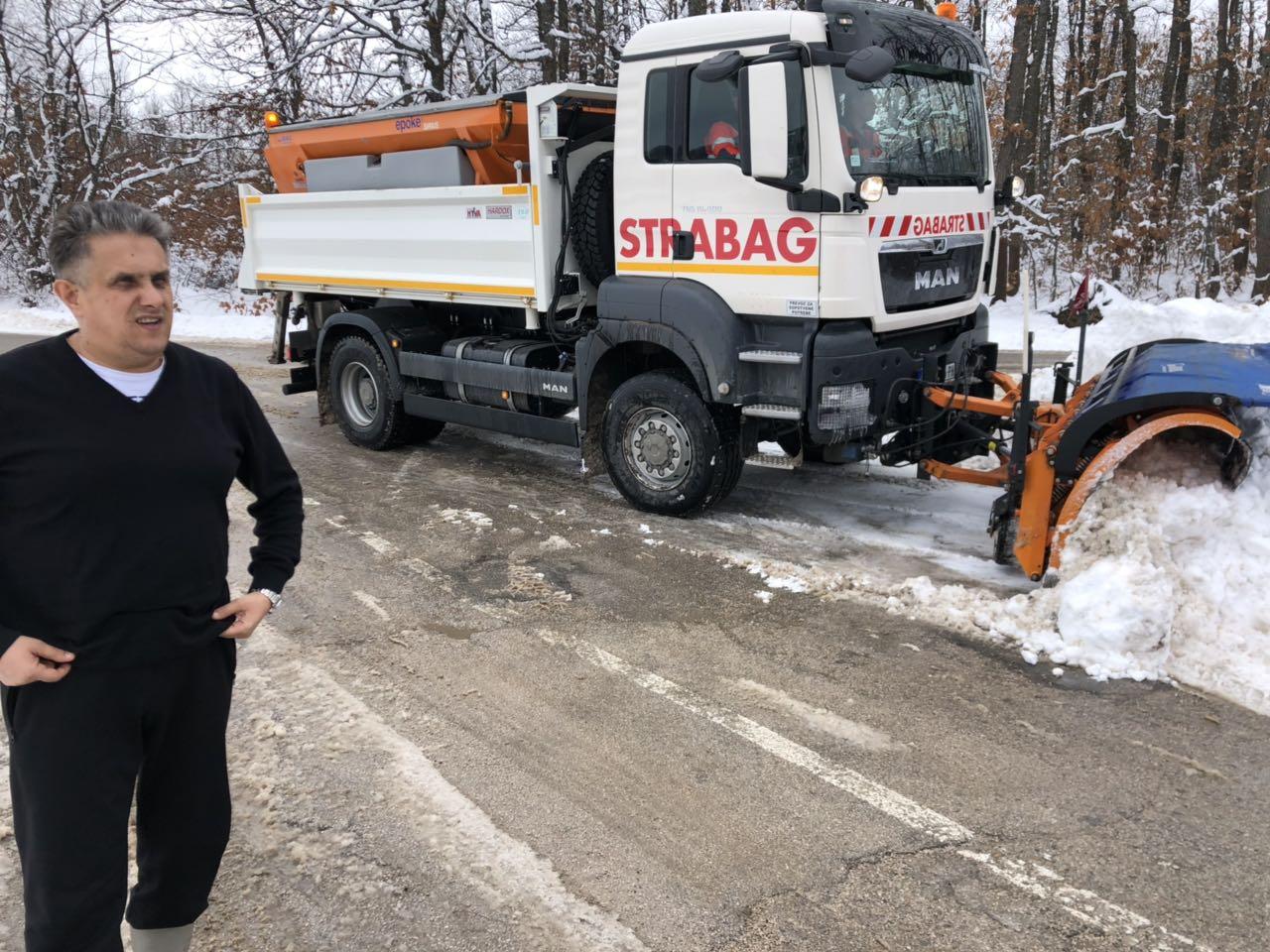 SVI PUTEVI PROHODNI: Miletić obišao zavejana svrljiška sela