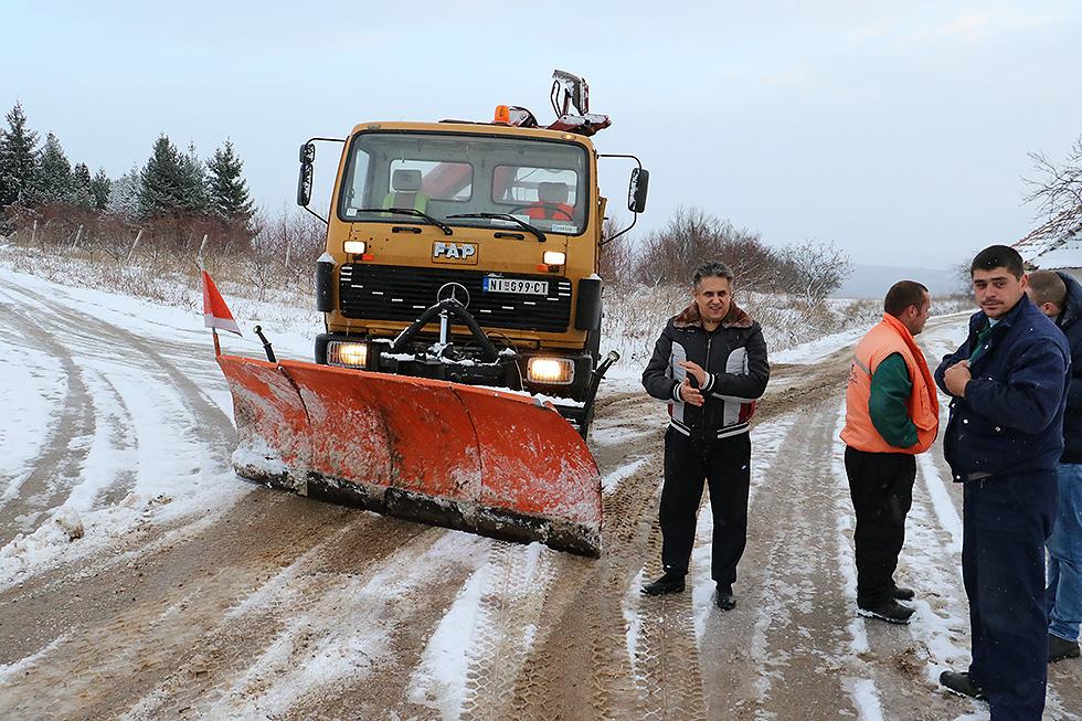 Miletić obišao radnike zimske službe